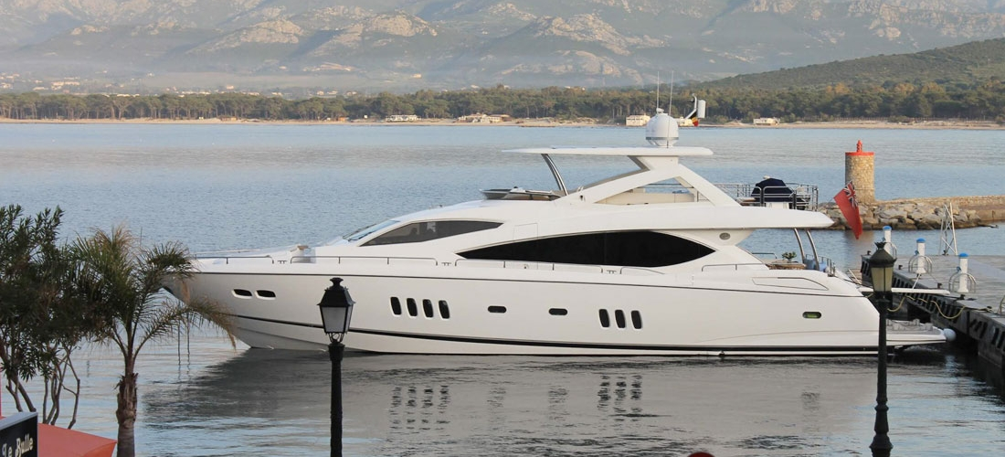 Sunseeker 88 Superyacht